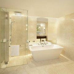 Отель The St. Regis Bangkok 5* Номер Делюкс с различными типами кроватей фото 6