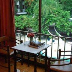 Отель Seashore Pattaya Resort гостиничный бар