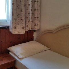 Momos Hostel Стандартный номер с разными типами кроватей (общая ванная комната) фото 9