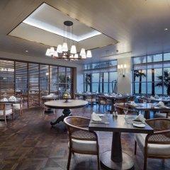Отель Mersin HiltonSA гостиничный бар