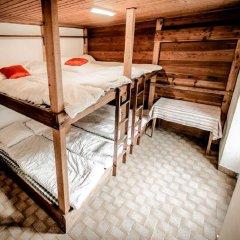 Отель Auberge du Mont-Blanc Кровать в общем номере с двухъярусной кроватью фото 4
