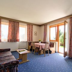 Отель Residence Krone Сцена комната для гостей фото 3
