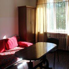 Апартаменты Виталий Гут на Центральной Площади комната для гостей фото 5