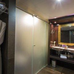 Отель Ayre Hotel Astoria Palace Испания, Валенсия - 1 отзыв об отеле, цены и фото номеров - забронировать отель Ayre Hotel Astoria Palace онлайн ванная фото 2