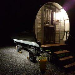 Отель The Little Hide - Grown Up Glamping Стандартный номер с различными типами кроватей фото 5