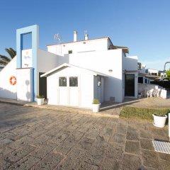 Отель Apartamentos Blue Beach Menorca 2 Испания, Кала-эн-Бланес - отзывы, цены и фото номеров - забронировать отель Apartamentos Blue Beach Menorca 2 онлайн парковка