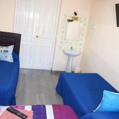 Отель Hostal Numancia Стандартный номер с различными типами кроватей (общая ванная комната) фото 5