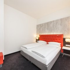 Select Hotel Berlin The Wall 4* Стандартный номер с различными типами кроватей фото 3