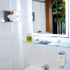 Dom Hotel Am Römerbrunnen 3* Номер Делюкс с различными типами кроватей фото 15