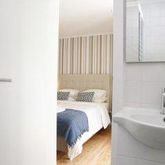 Отель Flores Guest House 4* Стандартный номер с двуспальной кроватью фото 37
