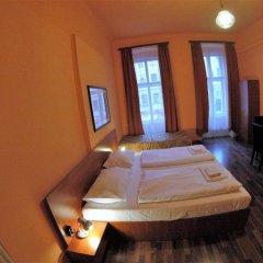 Отель Pension Madara Вена комната для гостей