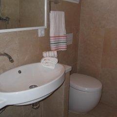Отель Mas Cabrit ванная