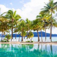 Reef View Hotel бассейн