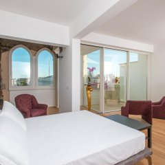 Отель Le Bifore Charming House Лечче комната для гостей