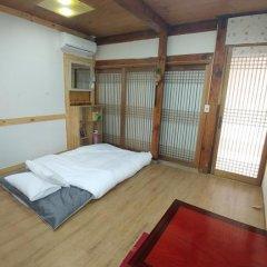 Отель Charm Hanok Guest House Южная Корея, Сеул - отзывы, цены и фото номеров - забронировать отель Charm Hanok Guest House онлайн комната для гостей