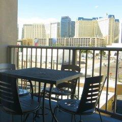 Отель Platinum Hotel and Spa США, Лас-Вегас - 8 отзывов об отеле, цены и фото номеров - забронировать отель Platinum Hotel and Spa онлайн балкон