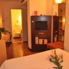 Zhongshan The Center Hotel 3* Стандартный номер с различными типами кроватей фото 3