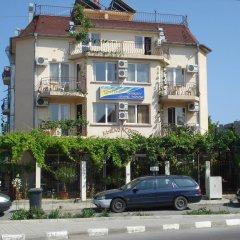 Отель Georgiev Guest House Болгария, Равда - отзывы, цены и фото номеров - забронировать отель Georgiev Guest House онлайн парковка