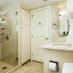 Отель Stay Alfred on 8th Street ванная фото 2