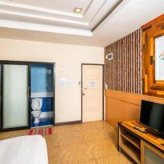 Отель Prew Lom Chom Nam интерьер отеля