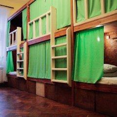 Хостел Fight night (закрыт) Кровать в женском общем номере с двухъярусными кроватями