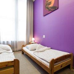 Moon Hostel Стандартный номер с 2 отдельными кроватями (общая ванная комната) фото 4