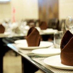 Отель Chirag Residency Индия, Нью-Дели - отзывы, цены и фото номеров - забронировать отель Chirag Residency онлайн питание фото 2
