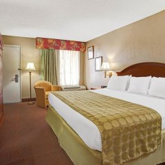 Отель Ramada Waterfront Sarasota 3* Стандартный номер с различными типами кроватей фото 2