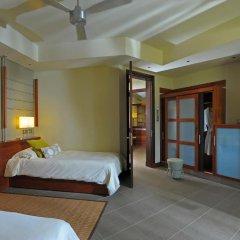 Отель Beachcomber Trou aux Biches Resort & Spa 5* Семейный люкс с двуспальной кроватью фото 2