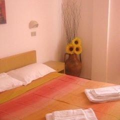 Hotel Carmen Viserba Стандартный номер двуспальная кровать фото 2