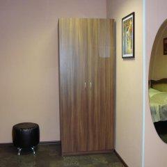 Мини-отель ФАБ 2* Стандартный семейный номер разные типы кроватей