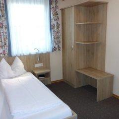 Hotel-Pension Scharl am Maibaum сейф в номере