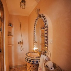 Отель Dar Ikalimo Marrakech 3* Улучшенный номер с различными типами кроватей фото 19