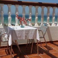 Отель Hostal El Alferez Испания, Вехер-де-ла-Фронтера - отзывы, цены и фото номеров - забронировать отель Hostal El Alferez онлайн помещение для мероприятий фото 2