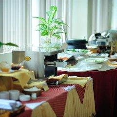 Отель Sammy Hotel Vung Tau Вьетнам, Вунгтау - отзывы, цены и фото номеров - забронировать отель Sammy Hotel Vung Tau онлайн питание фото 2