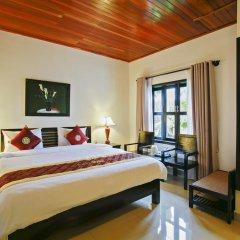 Отель Hoi An Red Frangipani Villa 2* Улучшенный номер с различными типами кроватей фото 3
