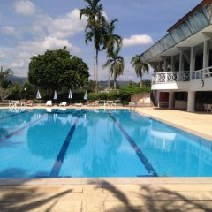 Отель Kathu Waterfall Bungalow бассейн