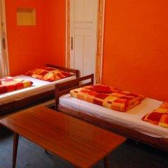 Boomerang Hostel and Apartments Стандартный номер с различными типами кроватей (общая ванная комната) фото 9