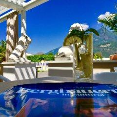 Отель Schlosshof Charme Resort – Hotel & Camping Италия, Лана - отзывы, цены и фото номеров - забронировать отель Schlosshof Charme Resort – Hotel & Camping онлайн бассейн фото 3