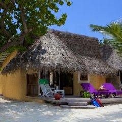 Отель Kuredu Island Resort 4* Бунгало с различными типами кроватей фото 4
