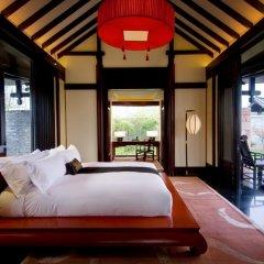 Отель Banyan Tree Lijiang 5* Вилла разные типы кроватей фото 7