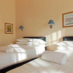 Отель The Victorian House 2* Стандартный семейный номер с различными типами кроватей фото 5