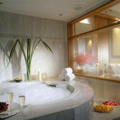 M Hotel Singapore 4* Номер Делюкс с различными типами кроватей
