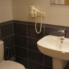 Отель Bussines Travel House Pokoje Goscinne Варшава ванная