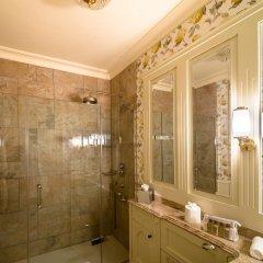 Отель Crossbasket Castle Великобритания, Глазго - отзывы, цены и фото номеров - забронировать отель Crossbasket Castle онлайн ванная фото 2