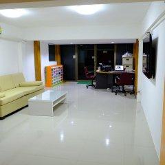 Donmueang Airport Residence Hostel интерьер отеля