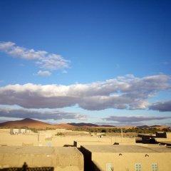 Отель Camels House Марокко, Мерзуга - отзывы, цены и фото номеров - забронировать отель Camels House онлайн балкон
