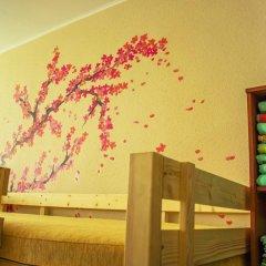 Hostel Kak Doma Кровать в женском общем номере с двухъярусной кроватью