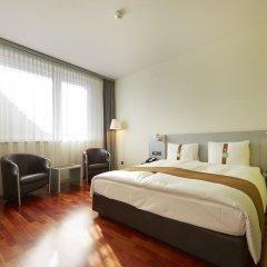 Отель Holiday Inn Bern Westside 4* Представительский номер с двуспальной кроватью