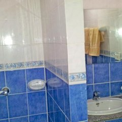 Отель Beshert Guesthouse ванная фото 2